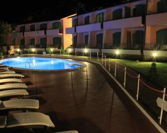 Acquaviva Park Hotel - Portoferraio - Pool