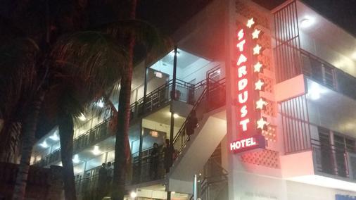 Stardust Hotel - Miami Beach - Building