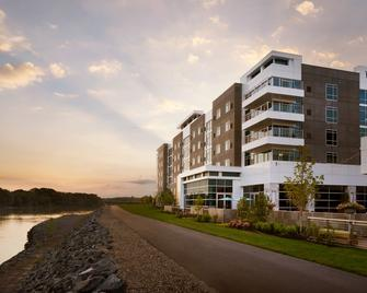 The Landing Hotel At Rivers Casino & Resort - Schenectady - Building