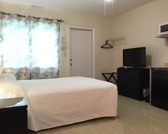 White Horse Motel - Lake Worth - Schlafzimmer
