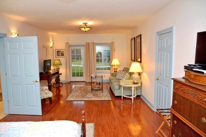 Battlefield Bed & Breakfast Inn - Gettysburg - Living room