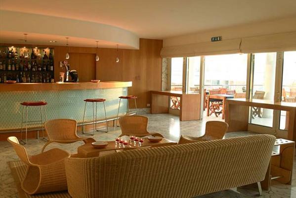 Marina Club Lagos Resort - Lagos - Bar