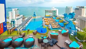 Siam@Siam Design Hotel Pattaya - Pattaya - Pool