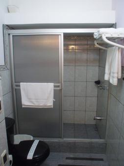 Hotel Casa Cambranes - San José - Phòng tắm