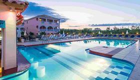 Savvas De Mar Hotel - Laganas - Piscine