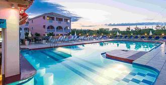 Savvas De Mar Hotel - Laganas - Piscina