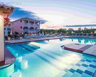 Savvas De Mar Hotel - Laganas - Pool