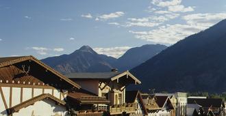 Enzian Inn - Leavenworth - Vista del exterior