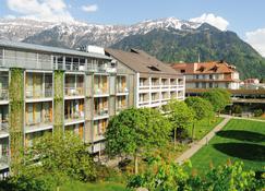 Hotel Artos Interlaken - Interlaken - Building