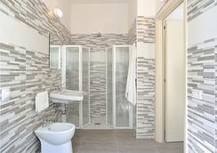 Hotel Tiberius - Rimini - Bathroom