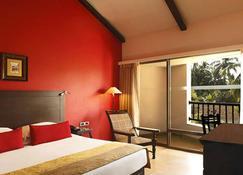 The O Hotel Beach Resort And Spa Goa - Candolim - Schlafzimmer
