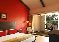 The O Hotel Beach Resort And Spa Goa - Candolim - Bedroom