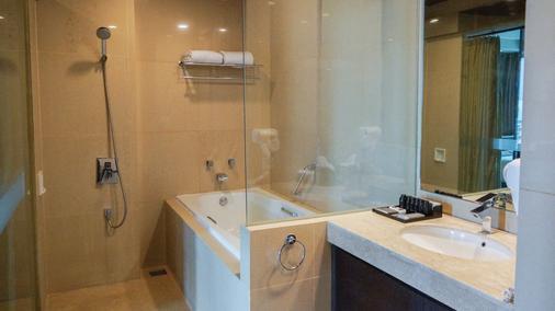 雅加達阿克瑪尼酒店 - 雅加達 - 雅加達 - 浴室