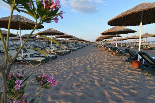 Baia Lara Hotel - อันตัลยา - ชายหาด