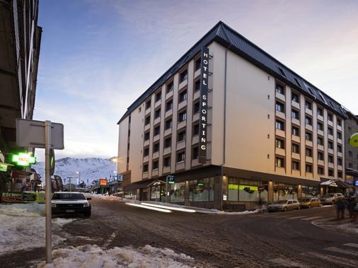Hotel Sporting - El Pas de la Casa - Edificio