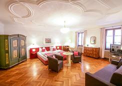 Altstadt Hotel Wolf - Salzburg - Phòng ngủ