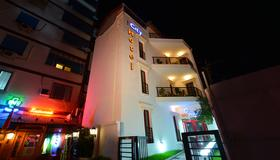City Hotel Tirana - Τίρανα - Κτίριο