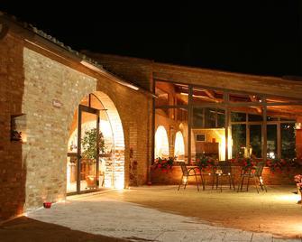 Hotel More di Cuna - Monteroni d'Arbia - Terasa