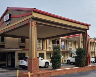 FairBridge Inn & Suites - McDonough - Building