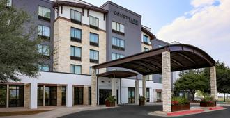 Courtyard by Marriott Austin Airport - Austin