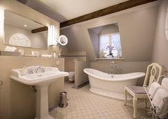 Romantik Hotel Zur Glocke - Trier - Bathroom