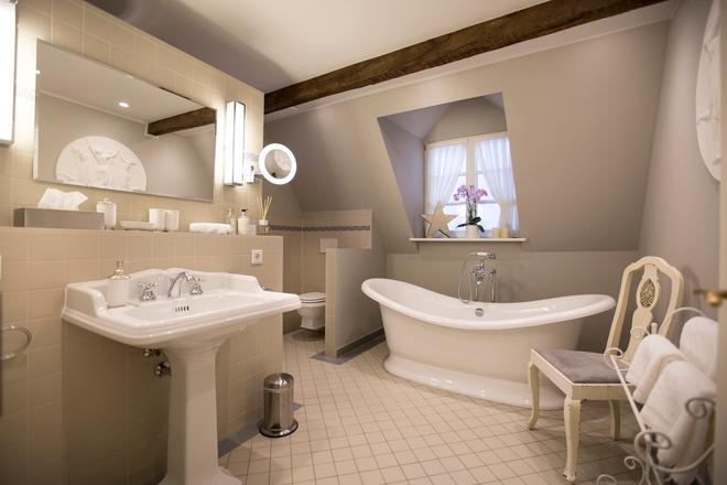 鐘聲浪漫酒店 - 特里爾 - 浴室