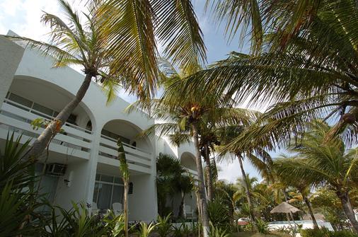 Hotel Maya Caribe Faranda Cancún - Cancún - Building