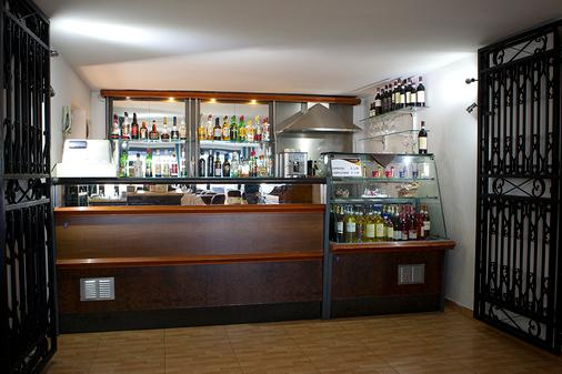 115 The Strand Hotel and Suites - Il-Gżira - Bar