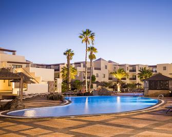 Vitalclass Lanzarote Resort - Коста-Тегісе - Building