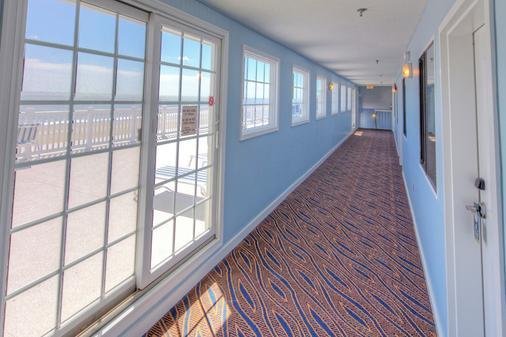 Atlantic View Hotel - Dewey Beach - Hallway