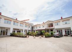 Hotel Relais Del Lago - Marta - Edificio