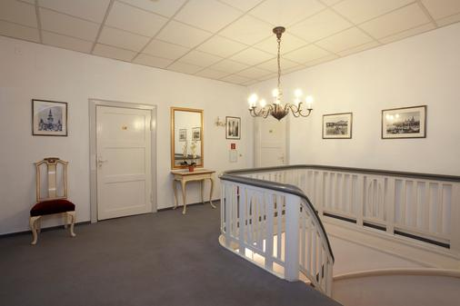 Hotel Weisses Schloss - Heringsdorf - Διάδρομος