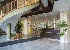 Quality Suites Oakville - Oakville - Resepsjon
