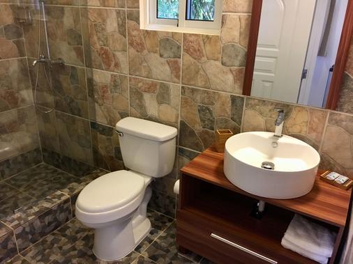 珊瑚布蘭科酒店 - 索蘇亞 - 蘇莎亞 - 浴室