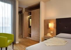 Hotel Rossini - Pesaro - Bedroom