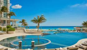 Sandos Cancun Lifestyle Resort - Cancún - Pool