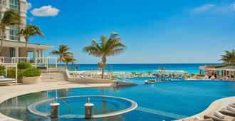 Sandos Cancun Lifestyle Resort - קנקון - בריכה