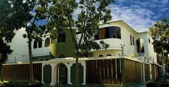 LYNIK La Casa de Blanca - Lima - Building