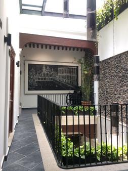Domingo Santo Hotel Boutique - Mexico City - Hallway