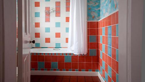 Waverley Hotel - Nairn - Bathroom