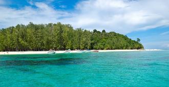 X2 Vibe Phuket Patong - Patong - Playa