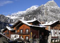 Hotel Triolet - Courmayeur - Outdoor view