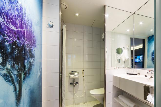 坦佩雷拉普蘭酒店 - 坦派勒 - 坦佩雷 - 浴室