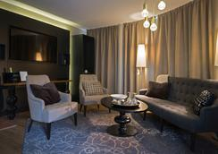 Lapland Hotels Tampere - Tampere - Living room