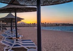 Cleopatra Luxury Resort Makadi Bay - Hurghada - Beach