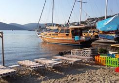 Alya Turkbuku Beach Hotel - Bodrum - Beach