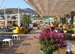 Alya Turkbuku Beach Hotel - Bodrum - Innenhof