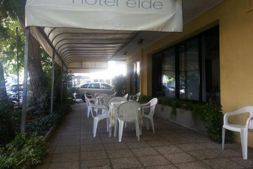 Hotel Elde - Riccione - Gebäude