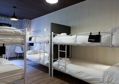 文圖拉 007 客房旅館 - 馬德里 - 馬德里 - 臥室