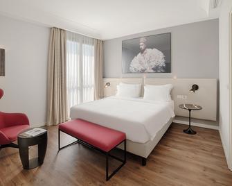 Radisson Blu Hotel, Milan - Mailand - Schlafzimmer